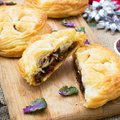 Festive Pithiviers with Cranberry Mango Chutney [vegan]