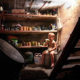 Cucumber lover by Piotr Owczarzak - Babies & Children Children Candids ( holideay, basement, fun, kids, boy )