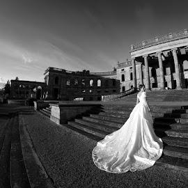 www.GrandPhotography.co.uk by Mick Grand - Wedding Bride