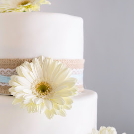 cake by May Evelene Bester - Wedding Details ( cake, wedding photography, wedding, daisy, wedding cake )