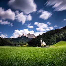 Santa Madalenna, Val di Funes by Zarko Piljak - Landscapes Prairies, Meadows & Fields ( villnöß, st. magdalena, val di funes, italia, dolomites, santa maddalena )