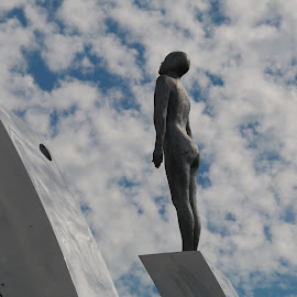 by Luz UK - Buildings & Architecture Statues & Monuments