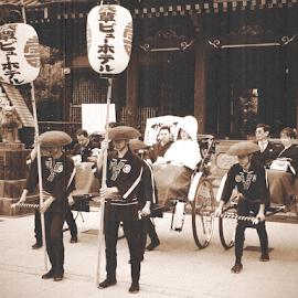 Japanese Wedding by Carlo Pinguins - Wedding Other ( temple, asakusa, japan, wedding, senso-ji, buddhist, tokyo, japanese )