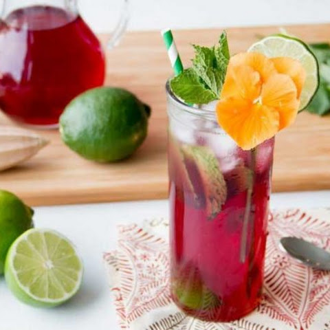 Hibiscus Lime Spritzer Cocktail