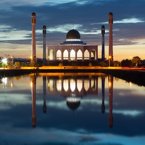 Masjid  by Nam Ning - Buildings & Architecture Public & Historical ( long, exposure, daytime, edition, challenge )
