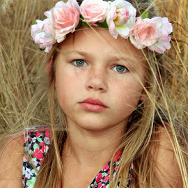 Lisa by Lize Hill - Babies & Children Child Portraits ( , KidsOfSummer )