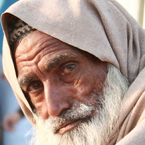 Silence in the Eyes, Pakistan by FARAZ AHMED RAJAR - People Portraits of Men ( weakness, pakistan, face, old, beggar, povrty, sad, hyderabad, poor, sindh, blind, man )