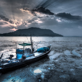 rest boat by John Htet - Landscapes Travel ( myanmar, creative, hightlight, landscape, boat )
