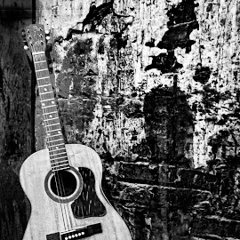 Old Tunes  6714bw by Karen Celella - Artistic Objects Musical Instruments ( music, vintage, black and white, pixoto, guitar, instrument )