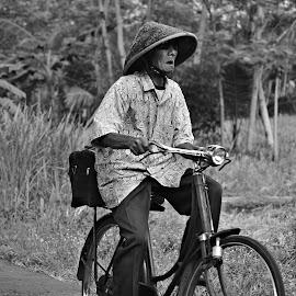 by Yudi Dhaniwanto - People Street & Candids