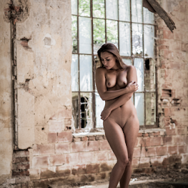 lost by Reto Heiz - Nudes & Boudoir Artistic Nude ( lost place, model, nude, color, abandoned )