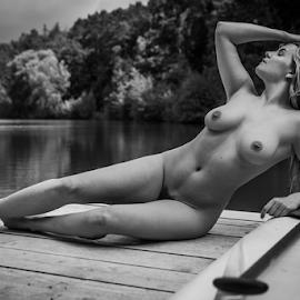 Beachgirll by Reto Heiz - Nudes & Boudoir Artistic Nude ( female nude, nudephotography, nudegirl, nude, nudeart, neked )