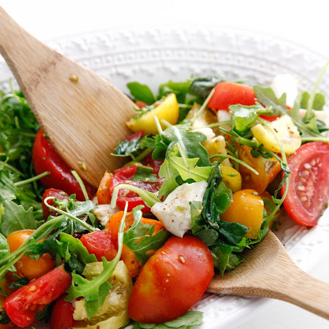 Heirloom Tomato Arugula Salad with Fresh Mozzarella
