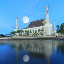 islamic center by Nandy Rery - Buildings & Architecture Public & Historical ( reflection, waterscape, full moon, landscape, panorama )