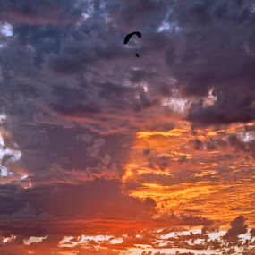 Sailing the Sunset by West Aus Storms . - Landscapes Weather ( sunset, cloud, weather )