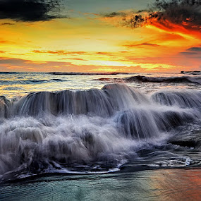 Dusk by Hendri Suhandi - Landscapes Waterscapes ( clouds, bali, splash, sunset, wave, tide, beach, motion, dusk )