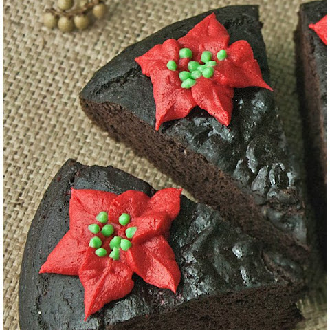 Fat free chocolate cake with Poinsettias