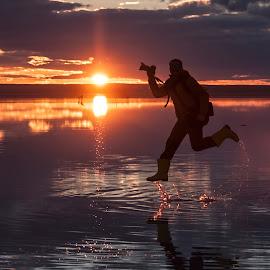 photographer by Ercan Kuru - Landscapes Sunsets & Sunrises ( reflection, sunset, salt lake, photographer, fotoğrafçı yarışması, lake )