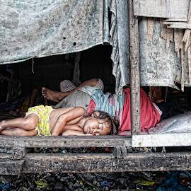 World leader by Pedro Penduko - People Street & Candids ( child, street children, sleep, street photography )