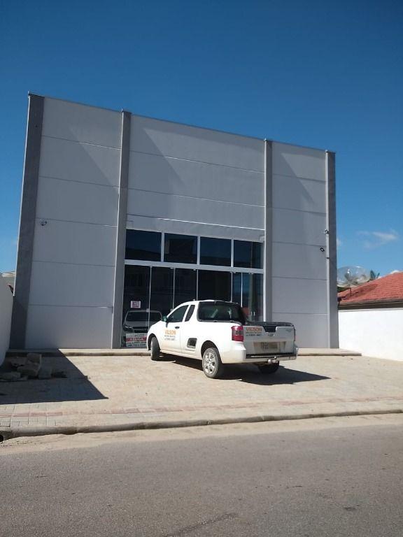Galpão para alugar, 310 m² por R$ 4.400/mês, com 2 banheiros, sendo 1 para cadeirante - Centro - Tijucas/SC