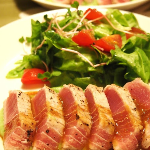 Tuna Steak with Wasabi and Butter Sauce
