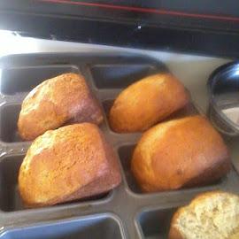 cornbread by Vanessa Berthelot - Food & Drink Cooking & Baking ( oven baked, bread, food, cornbread, baked goods, baking, baked )