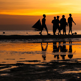 Strollers by Ynon Francisco - People Street & Candids ( aklan, silhouette, sunset, boracay, reflections, people, philippines, golden hour, island )