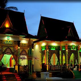 rumah adat melayu kepri by Daenk Andi - Buildings & Architecture Homes ( arsitektur, cahaya, warna, lampu, adat, acara, malam, rumah )