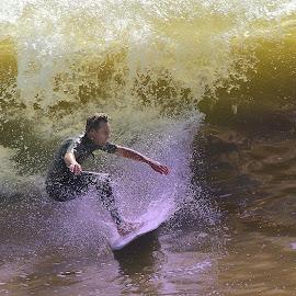 Sous la vague by Gérard CHATENET - Sports & Fitness Surfing