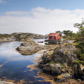 Fishermans cabin by Roger Gulle Gullesen - Landscapes Waterscapes