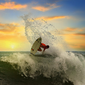 Roaring Splash by Alit  Apriyana - Sports & Fitness Surfing