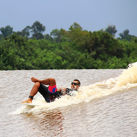 Surfing in BONO by Zakaria Juniarto - Sports & Fitness Surfing ( bonosurf, tidalbore, surfing, river )