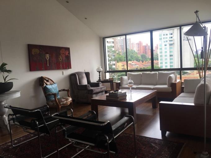 apartamento en venta poblado 585-22196
