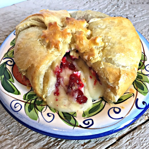 Baked Brie with Cranberries