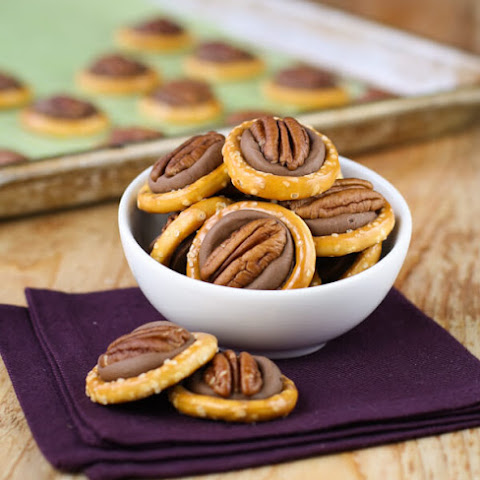 Easy Rolo Pretzel Turtles