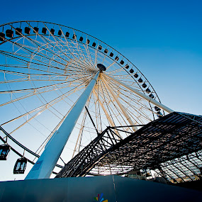 Big eye by Cristobal Garciaferro Rubio - City,  Street & Park  Street Scenes ( big star, wheel, mexico, puebla, lineal park )