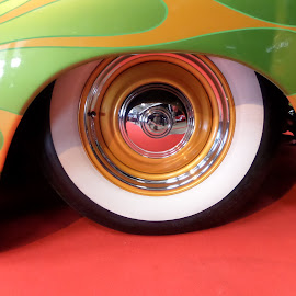 hot wheels by Angus Smith - Illustration Abstract & Patterns ( hot wheels )