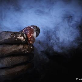 Tenho camisa e casacoSem remendo nem buracoEstoiro como um fogueteSe alguém no lume me mete by Cristina Maria Teixeira Duarte - Food & Drink Ingredients