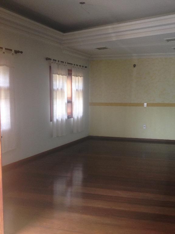 Selecione residencial à venda, Jardim Pacaembu, Campinas.