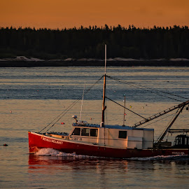 by Kelley Hurwitz Ahr - Transportation Boats ( maine 2016, sunrise )
