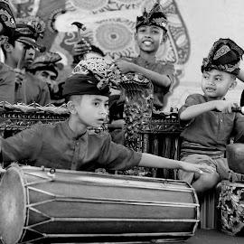Wonder kids by Basuni Radi - Babies & Children Children Candids ( kids, entertainer )