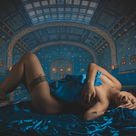 Miss TLS by Peter Driessel - Nudes & Boudoir Boudoir
