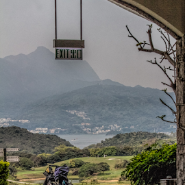 Start and finish by Vibeke Friis - Sports & Fitness Golf ( buggy, kau sai chau golf course sai kung, golf course entrance )