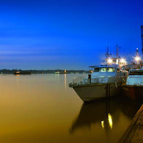 Dermaga Sampit.... by Bocah Bocor - Landscapes Sunsets & Sunrises