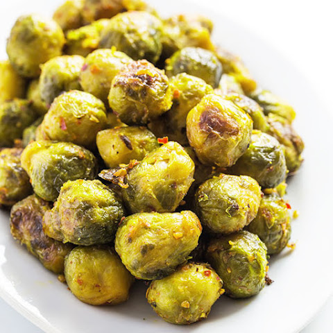 The Best Garlic Roasted Brussels Sprouts