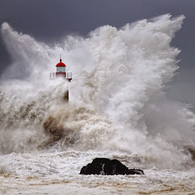 Enduring the elements by Malinov Photography - Landscapes Waterscapes ( water, huge, atlantic ocean, waves, http://malinov-photo.comze.com, lighthouse, pier, ocean, storm, portugal, porto )