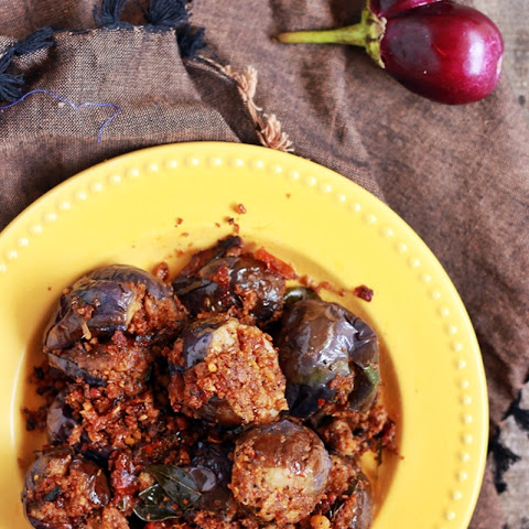 Stuffed eggplant curry recipe | Ennai kathrikai curry