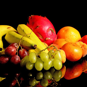 Fruits and more fruits by Cristobal Garciaferro Rubio - Food & Drink Fruits & Vegetables ( banana, orange, grapes, apple, fruits, peach, pitahaya )