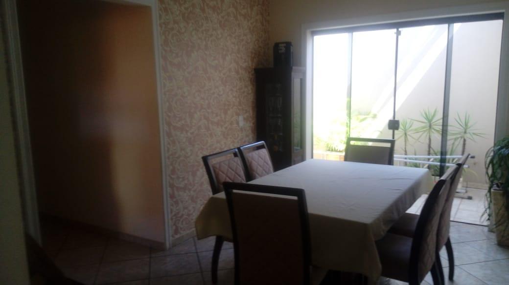 Casa com 3 dormitórios à venda, 195 m² por R$ 460.000 - Vila Real Continuaçao - Hortolândia/SP