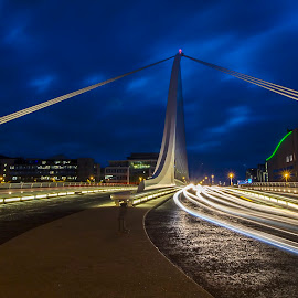 Samuel Beckett Bridge by László Gecző - Buildings & Architecture Bridges & Suspended Structures ( colors, light trails, long exposure, night, bridge )